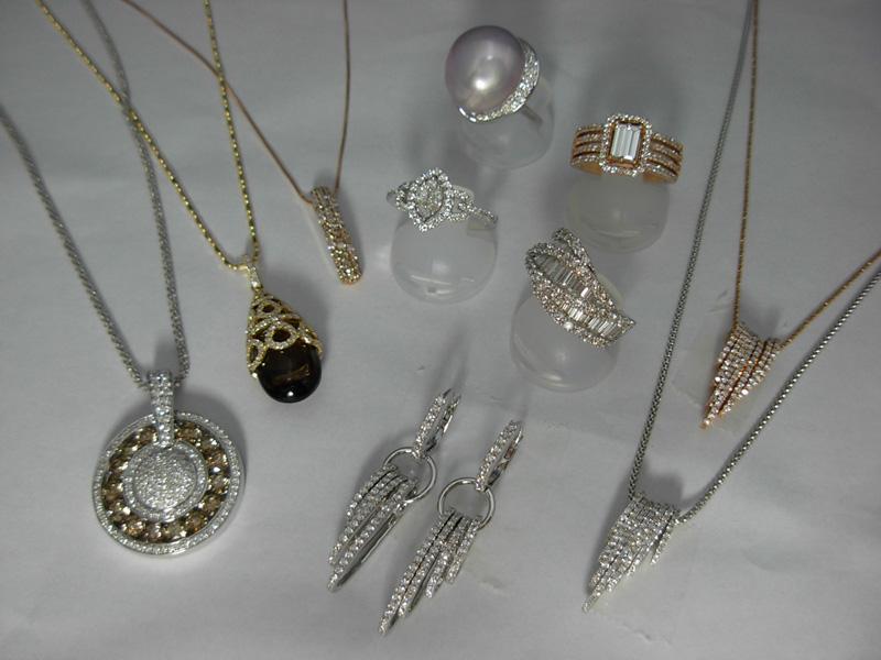 ヨーロッパ調のダイヤモンドファッションジュエリー