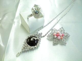 世界中から集めた貴重な天然真珠